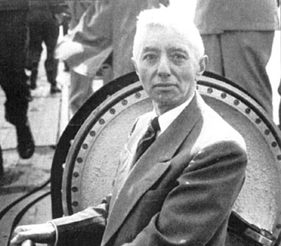 Admiral Hyman Rickover inspecting one of his nuclear submarines.